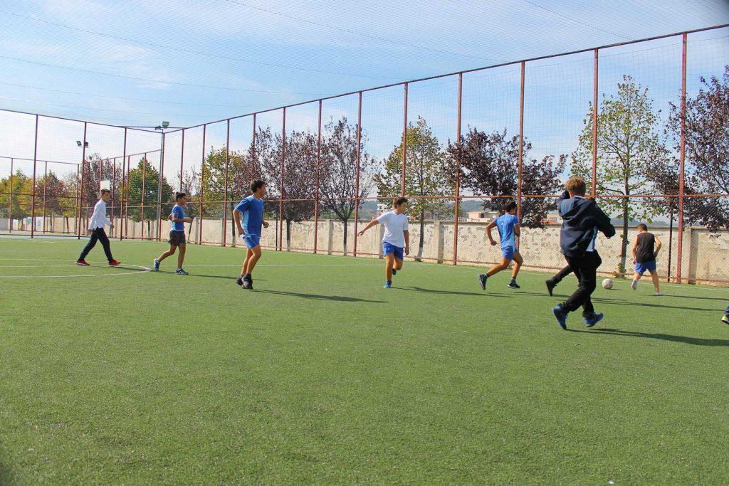 Duke luajtur Futboll